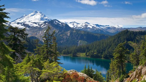 lake_and_mountains