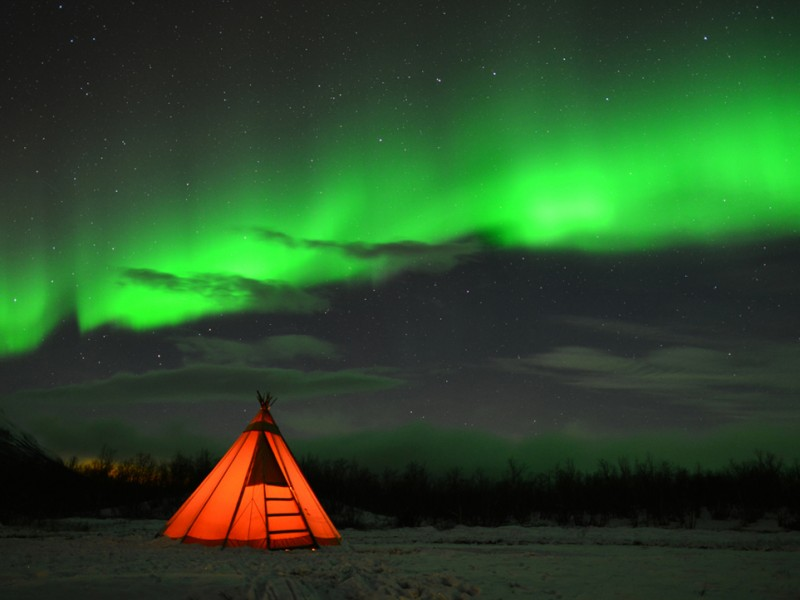 sweden-ski-tour-muddus-northern-lights-aurora-borealis-lapland-21-800x600