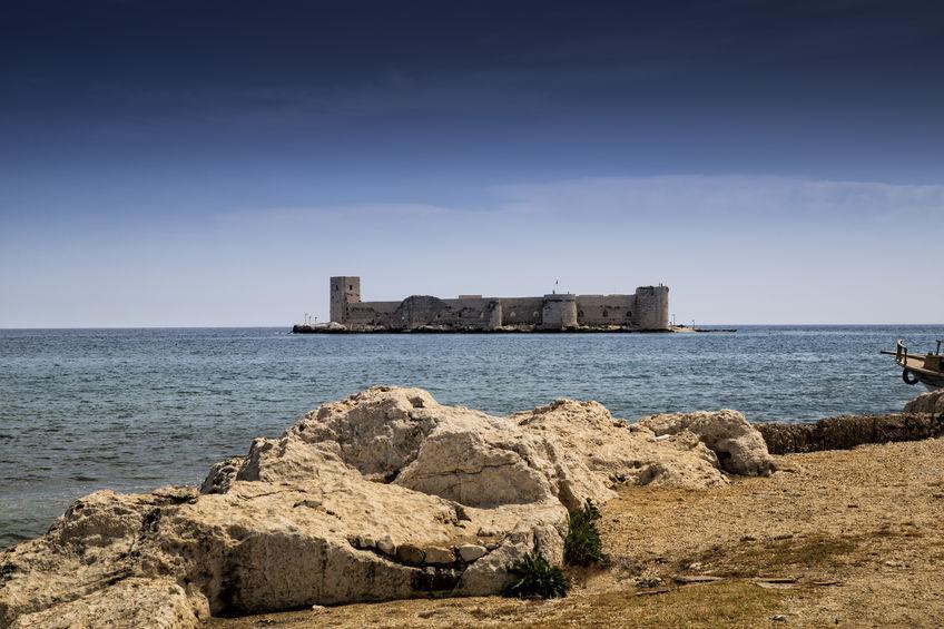 101712921 - maiden's castle, landscape of maiden's castle located in mersin, turkey